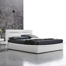 Podwójne łóżko PANAREA z zachwycającej kolekcji od Target Point. Łóżko PANAREA tapicerowane jest ekoskórą Soft. Konstrukcja łóżka wykonana...