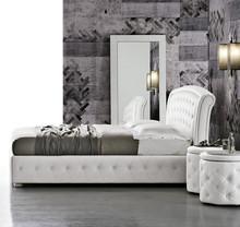SICILIA to łóżko tapicerowane pikowanym materiałem, na którym symetrycznie rozmieszczono ozdobne guziki- zarówno na wezgłowiu jak i ramie. Łóżko...