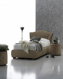 MADDALENA to niezwykle stylowe, eleganckie, pojedyncze łóżko tapicerowane od Target Point. Łóżko MADDALENA tapicerowane jest ekoskórą Soft....