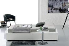 Pojedyncze, tapicerowane łóżko SOMMIER.<br />Łóżko SOMMIER tapicerowane jest ekoskórą Soft.<br />Konstrukcja...