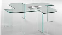 Margherita to stolik kawowy od Target Point, wykonany w całości ze szkła.<br />Margherita jest ławą wyjątkową, projektanci przy jej tworzeniu...