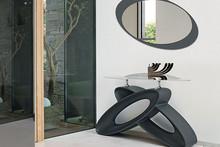 ECLIPSE to stylowa konsola zaprojektowana i stworzona przez znaną i cenioną włoską firmę Target Point. Spód wykonany z lakierowanego materiału...