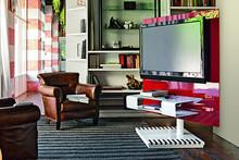 PIXEL to panel TV pochodzący z bogatej kolekcji mebli od cenionej włoskiej firmy Target Point. Panel dostępny w dwóch wersjacj: czerwonej- wykonanej ze...