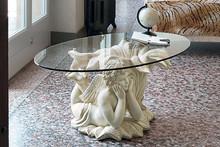 CUPIDO to stolik kawowy z limitowanej kolekcji Klasyka od włoskiego producenta Target Point.<br />Jest to ława wykonana z ceramiki, jej spód...