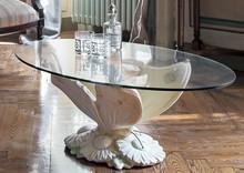 FARFALLA to stolik kawowy z limitowanej kolekcji Klasyka od włoskiego producenta Target Point.<br />Jest to ława wykonana z ceramiki, jej spód...