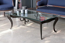 DECO' to stolik kawowy z limitowanej kolekcji Klasyka od włoskiego producenta Target Point.<br />Jest to ława, której szkielet i ramy...