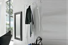 MODIGLIANI to wieszak na ubrania zaprojektowany i wyprodukowany przez włoską firmę Target Point.<br />Nazwa oddaje hołd AmedeoClementeModigliani-...