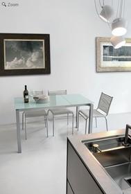 AURIGA 90 to rozkładany stół pochodzący z bogatej kolekcji znanych i cenionych producentów włoskich mebli Target Point. Rama stołu Auriga wykonana...