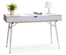 Jedyne w swoim rodzaju biurko Visby spodoba się nawet bardzo wymagającym osobom. Biurko to jest meblem bardzo pomysłowym.  Posiada praktyczne schowki pod...