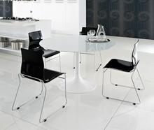 Okrągły stół Corona-100 to kolejny produkt Domitalia.<br />Konstrukcja stołu została wykonana ze stali lakierowanej, natomiast...
