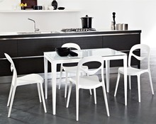 Stół Wind-130 to kolejny produkt Domitalia. <br />Wind-130 to klasyczny, prostokątny stół w nowoczesnej odsłonie, z...