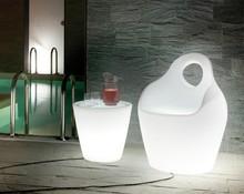 Fotel Baba to kolejny produkt pochodzący z bogatej kolekcji mebli i akcesoriów z rodziny Domitalia.<br />Wykonana z formowanego polietynelu...