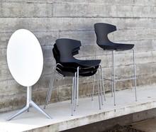 Stolik Triple to kolejny produkt od Domitalia.<br />Triple to stolik występujący w dwóch wersjach- z kwadratowym lub okrągłym blatem.<br...
