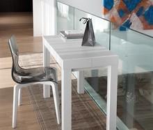 Krzesło GEL-L z rodziny produktów Domitalia.<br />Rama i nogi wykonana z drewna jesionu. Pozostała część, siedzenie i oparcie, zostały...