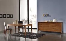 Italia Style ma zaszczyt przedstawić Państwu stół KARINA prestiżowej marki Veneta Sedie.<br />Stół KARINA jest rozkładany.<br...