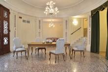 Italia Style ma zaszczyt przedstawić Państwu stół ALICE prestiżowej marki Veneta Sedie.<br /><br />Wszystkie zdobienia, rzeźby i...