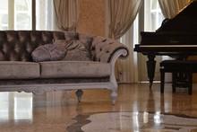 Italia Style ma zaszczyt przedstawić Państwu sofę ATENA prestiżowej marki Veneta Sedie.<br />Sofa występuje w dwóch wersjach: dwu- i...