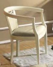 Włoski fotel z podłokietnikami SIENA NIGHT AVORIO , który został wykonany z drewna lipowego i malowany na kolor kremowy. Siedzisko i oparcie fotela...