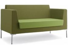 FRED FR002 to dwuosobowa, nierozkładana sofa tapicerowana.. Podstawa sofy to cztery chromowane nóżki. Sofa idealna zarówno do przestrzeni publicznych, jak...