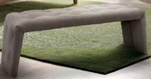 Włoska ławka STORM wykonana z płyty wiórowej i w całości tapicerowana tkaniną plamoodporną. Producent poleca 28 kolorów tkaniny do wyboru...