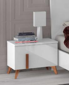 Szafka nocna 1-szufladowa wykonana z płyty laminowanej i lakierowana na wysoki połysk w białym kolorze. Szafeczka posiada drewniane stopki i drewniane...