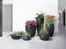 Piękno w czystej postaci! Niewiarygodnie piękna, ręcznie wykonana z włókna szklanego doniczka to idealne akcesorium do Twojego domu, ogrodu lub na...