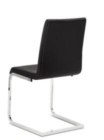 Krzesło ROXY-SV wyprodukowane przez Domitalia. Krzesło posiada metalowy stelaż z kwadratowymi płozami oraz tapicerowane ekoskórą Bloom oparcie wraz z...