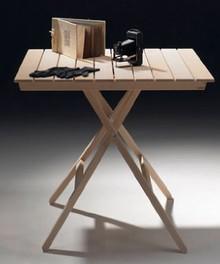 Składany stoł ogrodowy wykonany z litego drewna litego o powierzchni blatu 130 x 80 cm. idelany na balkon, taras lub do ogrodu. Łatwy system składania....