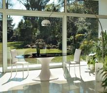 Włoski, elegancki stół TULLE 110x200 cm pochodzący z najnowszej kolekcji Notte Brava.<br />Stół posiada owalny blat.<br />Noga...