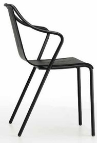 Kolekcja OLA z siedziskiem z tworzywa sztucznego składa się z dwóch cech: wszechstronność i dynamizm. Metal, z którego stworzona jest rama...