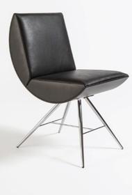Fotel MANIA wyprodukowaney przez cenioną włoską firmę LIVONI.  MANIA jest krzesłem wykonanym z drewna bukowego, w całości tapicerowanego. Posiada...