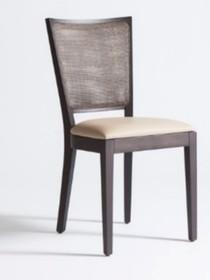 Wygodne, funkcjonalne krzesło 2SC/R jest oryginalne i wyjątkowe, choć jego wygląd jest bardzo prosty i klasyczny. Krzesło wykonane jest z drewna bukowego...