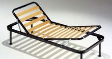 Stelaż łóżka pod materac, ruchomy, bez przodu oraz tyłu.<br />Stelaże z ramą obwodową metalową o przekroju 40 mm. Posiada mechanizm...