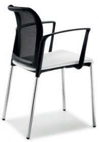 CLASS CL002 jest to krzesło konferencyjne. Jak nazwa kolekcji wskazuje- jest idealne do sal wykładowych, aul, korytarzy szkolnych czy klas.<br...
