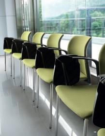 CLASS CL013 jest to krzesło konferencyjne. Jak nazwa kolekcji wskazuje- jest idealne do sal wykładowych, aul, korytarzy szkolnych czy klas.<br...