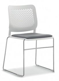 KALIMA KL121C to krzesło konferencyjne posiadające chromowaną ramę zakończoną podstawą w typie płozy. Nie posiada podłokietników. Siedzenie i...