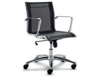 LUX LX602 to fotel pracowniczy. Wyposażony siatkowane, niskie oparcie. Posiada chromowane, aluminiowe podłokietniki. Podstawa to pięcioramienny aluminiowy,...
