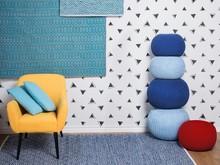 <b>Elegancki dywan o rombowym wzorze w kolorze beżowym i niebieskim</b><br>Piękny dywan może przyciągać uwagę niczym dzieło sztuki....