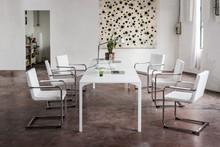 Stół ARMANDO 290x100 cm o wysokości 110 cm to mebel idealny do sal i wielkich jadalni. Stół ARMANDO został pokazany na targach meblowych w...