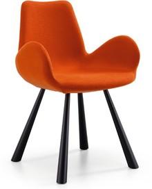 Fotel z podłokietnikami i niższym oparciem FOREST od MIDJ posiada metalową podstawę, natomiast siedzisko i oparcie są tapicerowane.<br />Meble...