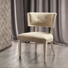 Krzesło AMBRA 1, zaprojektowane dla kolekcji mebli sypialnianych o tej samej nazwie. Podstawa krzesła wykonana została z drewna bukowego, lakierowana na...