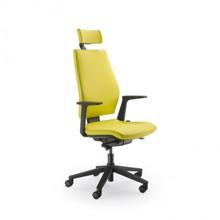 SEDNA S501 to fotel gabinetowy. Wyposażony w wysokie oparcie oraz tapicerowany zagłówek. Fotel posiada czarne, nylonowe podłokietniki.<br...
