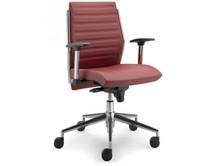 STEEL ST12F jest fotelem pracowniczym. Wyposażony jest w niskie, tapicerowane oparcie, stalowe, chromowane podłokietniki z nylonowym wierzchem. Podstawa to...