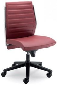 STEEL ST13 jest fotelem pracowniczym. Wyposażony jest w niskie, tapicerowane oparcie. Nie posiada podłokietników. Podstawa to pięcioramienny krzyżak,...