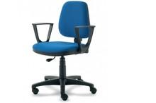 ELEGANCE EG151 jest fotelem pracowniczym. Fotel posiada niskie, tapicerowane oparcie. Postawa to pięcioramienny krzyżak wykonany z czarnego nylonu,...