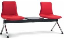 INCA to ławka konferencyjna. Ławka jest tapicerowana, posiada chromowaną ramę, bez podłokietników. Występuje w 6 wersjach. Idealna do...
