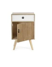 Drewniana szafka nocna z jedną szufladą i jednymi drzwiami to mebel pochodzący z najnowszego katalogu Bizzotto.<br /><br />Struktura...