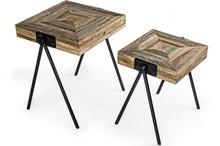 Zestaw dwóch wysokich, drewnianych stolików pochodzących z najnowszego katalogu Bizzotto.<br />Wykonane z pochodzącego z recyklingu...