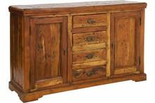 Drewniana, klasyczna komoda.<br />Komoda posiada dwie szafki zamykane drzwiami oraz cztery szuflady.<br /><br />Meble z tej kolekcji...