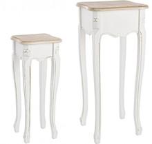 Zestaw dwóch drewnianych stolików kawowych.<br />Wymiary w cm:<br />26x26x62<br />36x36x80<br...